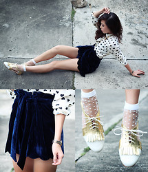 Kryz Uy - Virgos Lounge Velvet Shorts, Cole Vintage Oxfords, Romwe Dotted Socks - Velvet Heart
