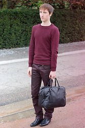 Gareth Vanderstraeten - H&M Jumper, Zara Colored Jeans, Zara Handbag, H&M Ankle Boots - Red wine