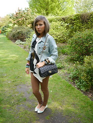 Irena D - Chanel Bag, Vintage Jacket, Camden Town, New Look Jeans, New Look Shoes - Chanel Day