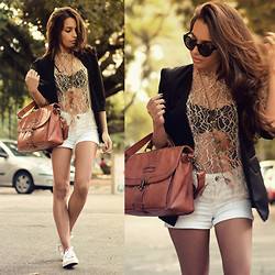 Alana Ruas - Felicee Blazer, Animale Top, Aquamar Short, Coca Cola Tennis - Gold is the sun as she wonders where he's gone.