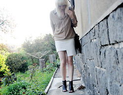 C V - Old Shirt, H&M Skirt, H&M Bag, Cheap Monday Sandals - Light