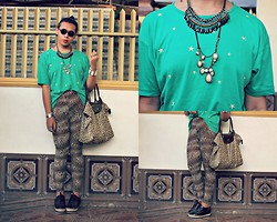 Miki Gumia - Sm Leopard Leggings, Vintage Neon Shirt, So Fab Creepers - Star traveler