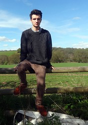 Petr Gallagher - Topman Jumper, Rockport Polo Shirt, River Island Chinos - Cas