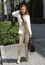 Divine Lee - Kermit Tesoro Top, Martin Bautista Sequined Pants, Fendi Bag, Charlotte Olympia Shoes - D goes to Tokyo, Japan