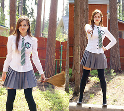 Alice Lovett - Carnaby Black Pumps, Offbrand Slytherin Tie And Emblem, H&M Button Up Blouse, ? Pleated Schoolgirl Skirt, Lindex Thigh Highs - DRACO'S GIRL