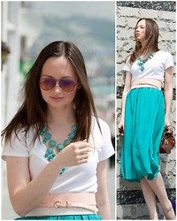 Irvy Alex - H&M Necklace, New Yorker Belt, Uniqlo Top, Vintage Skirt, D&G Bag, New Look Heels - Me&sea