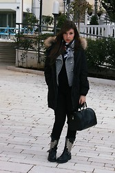 ElenaSophia Brown - Woolrich Parka, Louis Vuitton Speedy 30, Boots - Miss Nothing
