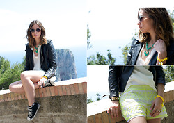 Erika Boldrin - Paola Frani Shorts, Ops Objects Bracelet, Converse Sneakers - Ops!Objects heart