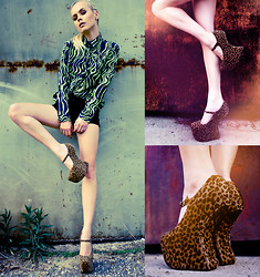 ANNA S. - Shoes, Sh Blouse, H&M Shorts - LEOPARD WALK / by What Anna Wears