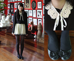 Sophie Ramos - Yen's Butingthings Detachable Peter Pan Collar, Melty Kiss Sheer Black Top, Ropaanneaux Skirt - Candor