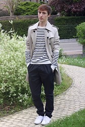 Gareth Vanderstraeten - No Brand Classic Trench, H&M Marinière, Asos Carrot Fit Trousers, Fred Perry Plimsolls - Trench and stripes