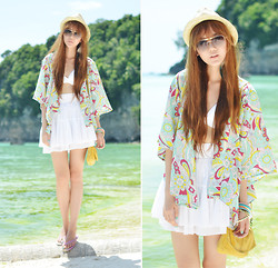 Camille Co - Bubbles Kimono, Happy Boon Bangles, Yves Saint Laurent Sunnies - Hey Beach!