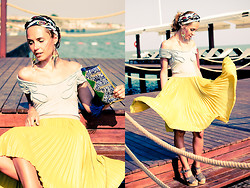 Pol A - Topshop Earring, Bebe Top, Bcbg Skirt, See By Chloé Shoes - Yellow Heat