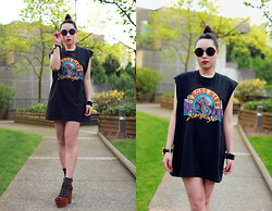 Shane Wu - Community Thrift Vintage Tee, Urban Outfitters Shoes, Vintage Sunnies - CALL ME ROCKER PLEASE