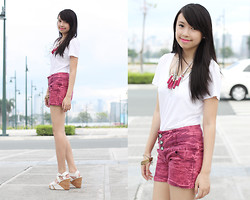 Sophie Ramos - Style Nook Shorts, Melty Kiss Silver Necklace - Gimmie a Minute