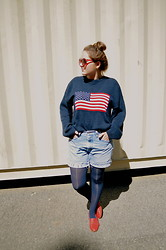 Katherine Pearce - Newera American Flag Sweater - America