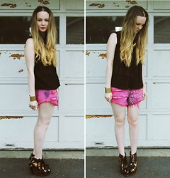 Stacey Belko - Sheinside Shirt, Native Heart Shorts, Finsk Wedges - Pretty things & cats.