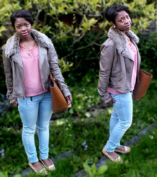 Adelaide Chitanda - Republic Top, Jeans, Topshop Jacket, Flat Shoes, Zara Bag - A Casual Day