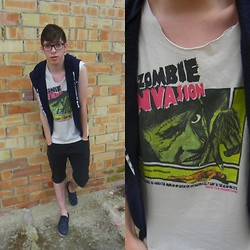 Joan Nowhere - Zombie Shirt, Diy Vest, Pull & Bear Shorts, Armani Exchange Galaxy Sneakers - Zombie invasion