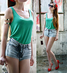 Ariadna Majewska - Giant Vintage Black Sunglasses, H&M Green Top, Toria Blanic Red Heels, H&M Jeans Shorts, Back Stage Gold Metal Arm Cuffs, Vintage Red Bandana, H&M Gold Earrings - Arm Cuffs
