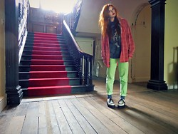 Saskia I - Marlborough Classics Shirt, The Mountain Tshirt, Asos Jeans, Demonia Creepers - See you on a dark night