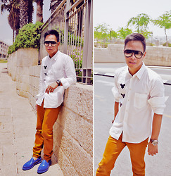 Dennis Robles - Yves Saint Laurent Blue Rubber Loafer, Zara Mustard Pants, Comme Des Garçons White Polo, Balenciaga Sunnies, Panerai Gmt Watch - Jerusalem israel look #365