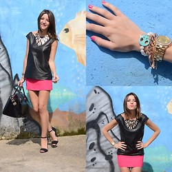 Alexandra Per - Basic Leather Top, H&M Skirt, Zara Sandals, Givenchy Bag - Kissing a fish