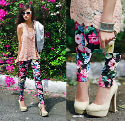 Kryz Uy - Luscious Closet Lace Top, Sheinside Floral Pants, Call It Spring Heels - On A Hot Day