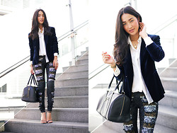 Nicole Warne - Style Stalker Blazer, Zara Shirt, Aje Sequin Leggings, Marcs Bag - TINSEL