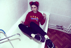 Violet Ell - Thrift Store Sweat, Thrift Store Jeans, Tuk Creepers - 29.01.2012