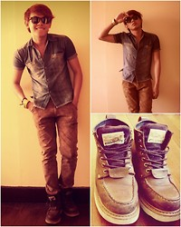 Chino Carlo Aricaya - Irish Setter Sports Boots, Thrifted Denim Shirt, Mogao Brown Pants - These boots are made for walkin'