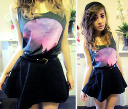 Alissa L - Glamour Kills Galaxy Tank Top, American Apparel Circle Skirt - Galaxy top giveaway on my blog