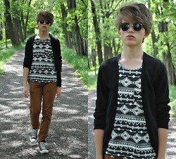 Matthew Rosinski - H&M Aztec Top, H&M Black Cardigan, H&M Brown Pants, Converse Shoes, Sh Sunglasses - Aztec print