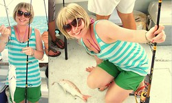 Jess R - H&M Blue Stripy Sleeveless Top, Topshop Green Shorts, Dorothy Perkins Aviator Glasses - Sun. Sea. Fishing.