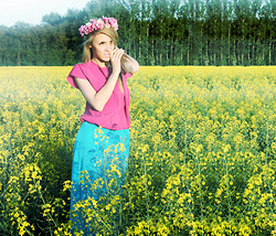 Ann O. - Topshop Maxi Skirt - FIELDS OF YELLOW