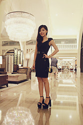 Liana Wibowo - Salvatore Ferragamo Clutch Bag, Zara Dress - All black is the new TREND! feat Georgina Wilson