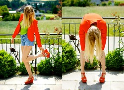 Alexia G. - Zara Orange Blazer, Levi's® Levis Shorts, Hollister Co. Top, Zara Orange Shoes - Orange you glad it's sunny?