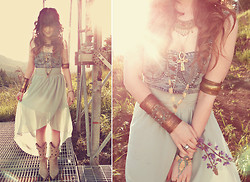 Ashlei Louise . - Vanessa Mooney Matching Bracelet, Vanessa Mooney Matching Necklace, Diy Ankh Necklace, Durango Boots, On Ebay Like Te Years Ago Giant Cuff, Chic Wish Seafoam Hi Lo Skirt, Vanessa Mooney Casbah Brass Necklace, Les Jumelles Turtle Bracelet, Oasap Denim Crop Top - Under the deep blue sea // Chicwish & Romwe giveaway on blog