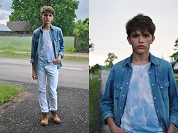 Matthew Rosinski - H&M Jeans Shirt, H&M White Pants, Shoes, Diy Top - Cloudy day
