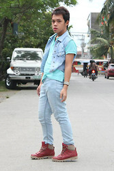 Jaen Earthling - Forever 21 Red Caterpillar Shoes, Thrift Store Tods Bracelet, Bossbon Denim Vest, H&M Pants - Awkward street