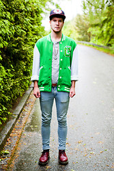 Martin Bohm - Dr. Martens Docs, Cheap Monday Jeans, Who.A.U Baseball Jacket, H&M T Shirt, Forty Seven Brand Cap - Hit the floor