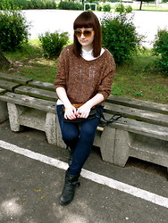 Maja R. - Stradivarius Sweater, Diy Ring, Vero Moda Jeans - I need to get my story straight