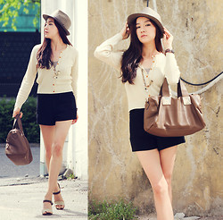 Becky Baek - Brown Fedora, Basic Mini Cardigan, Square Bag, Black Pocket Pants - Classic