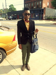 Kris Hilton - H&M Chinos, H&M Blazer, H&M Button Down, Nautica Bag - Dr. Pill