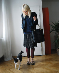 C V - Ebay Bomber Jacket, Mango Sweater, Asos Bag, Tesco Skirt, Urban Outfitters Jeans, Asos Ballet Shoes - Cat+girl
