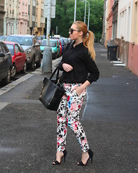 Joll Burr - Pants, Bag, New Yorker Blouse, Gate Sunglasses, Zara Heels - Floral pants