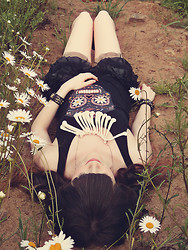 Ashlei Louise . - Os Accessories Bone Necklace, Romwe Floral Skull Top, Sway Bracelets - Pushing Up Electric Daisies