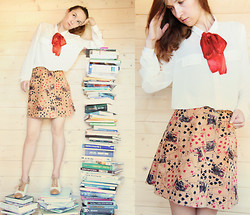 Iva K - Vintage 1972 Skirt - House of cards and books