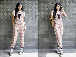 Riski Novianti - Diy Dottie White Collar, Unbranded Floral Jumpsuit, Cool Sneakers - Happiness is a perfume