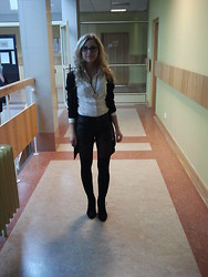 Michalina Kasprowicz - Bershka Cardigan, Reserved Shirt, Lindex Shorts, Guess? Glasses - Exam